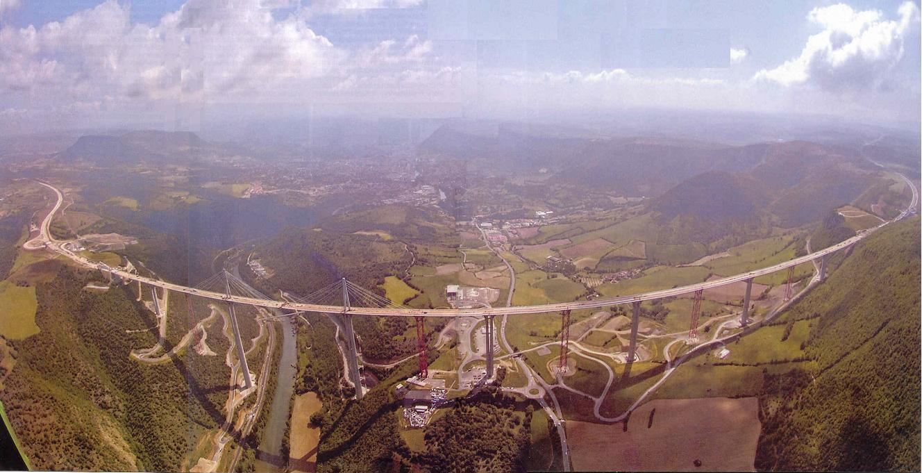 Millau_Viaduct_France_52_asw.jpg